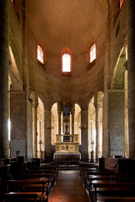 Apse, Collégiale de Saint-Léonard de Noblat, Saint-Léonard de Noblat (Haute-Vienne)  Photo by Dennis Aubrey