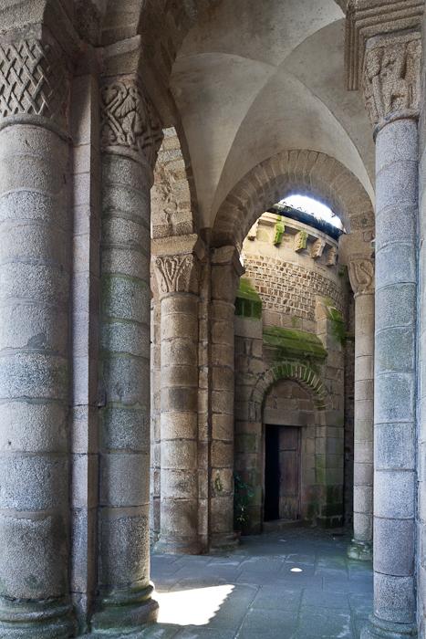 Narthex, Collégiale de Saint-Léonard de Noblat, Saint-Léonard de Noblat (Haute-Vienne) Photo by PJ McKey