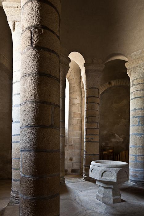 Chapel of the Sepulchre, Collégiale de Saint-Léonard de Noblat, Saint-Léonard de Noblat (Haute-Vienne) Photo by PJ McKey