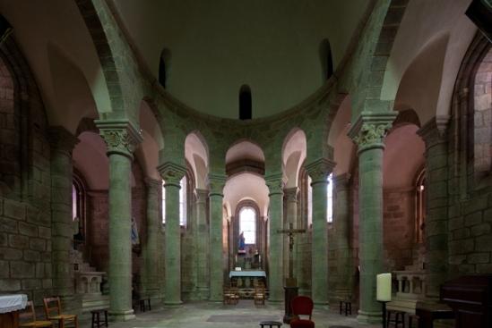 Apse, Église Saint-Barthélémy de Bénévent-l'Abbaye, Bénévent-l'Abbaye (Creuse)  Photo by Dennis Aubrey