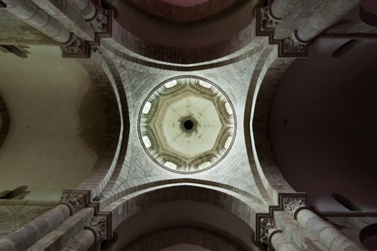Crossing dome, Église Saint-Barthélémy de Bénévent-l'Abbaye, Bénévent-l'Abbaye (Creuse)  Photo by Dennis Aubrey