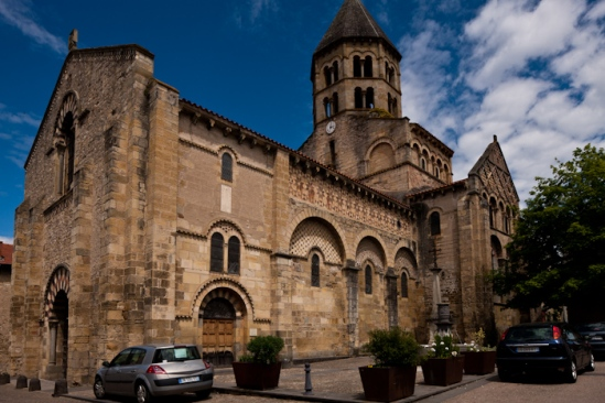 Exterior, Église Saint-Julien, Chauriat  (Puy-de-Dôme)  Photo by Dennis Aubrey