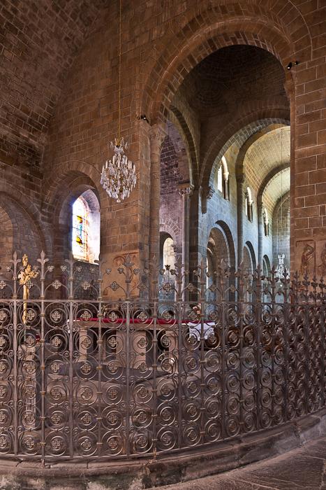 Ambulatory grate, Ambulatory, Église Saint Gilles, Chamalières-sur-Loire (Haute-Loire)  Photo by PJ McKey