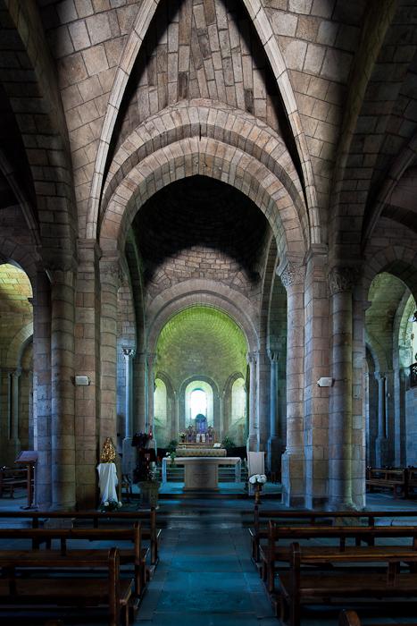 Apse, Église Saint Julien, Saint-Julien-Chapteuil (Haute-Loire)  Photo by Dennis Aubrey
