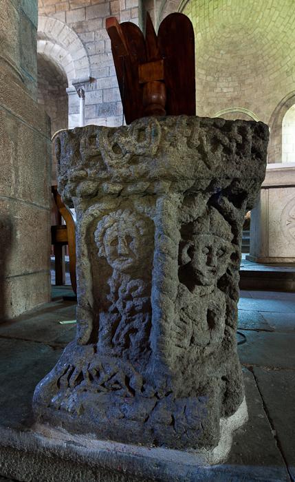Font, Église Saint Julien, Saint-Julien-Chapteuil (Haute-Loire)  Photo by Dennis Aubrey