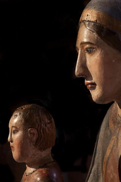 Vierge et l'enfant, Église Saint-Martin, Courpière (Puy-de-Dôme) Photo by Dennis Aubrey