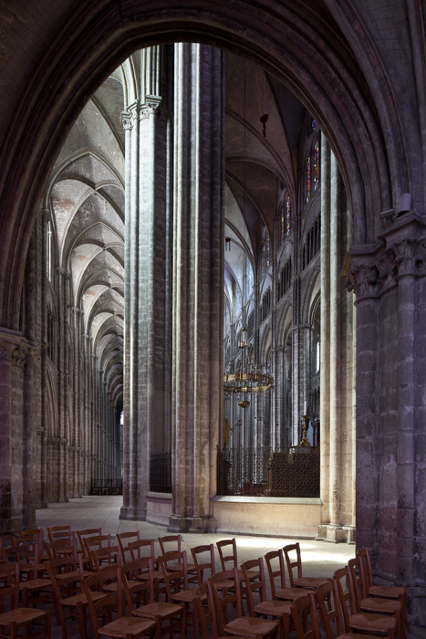 Ambulatory, Cathédrale Saint-Etienne, Bourges  (Indre)  Photo by PJ McKey