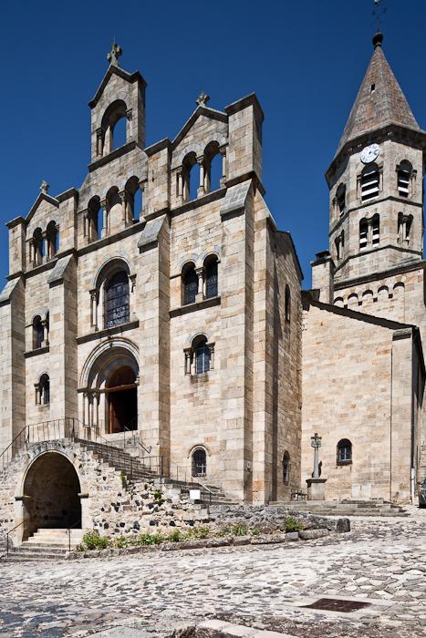 Western façade, Église Saint Julien, Saint-Julien-Chapteuil (Haute-Loire)  Photo by PJ McKey