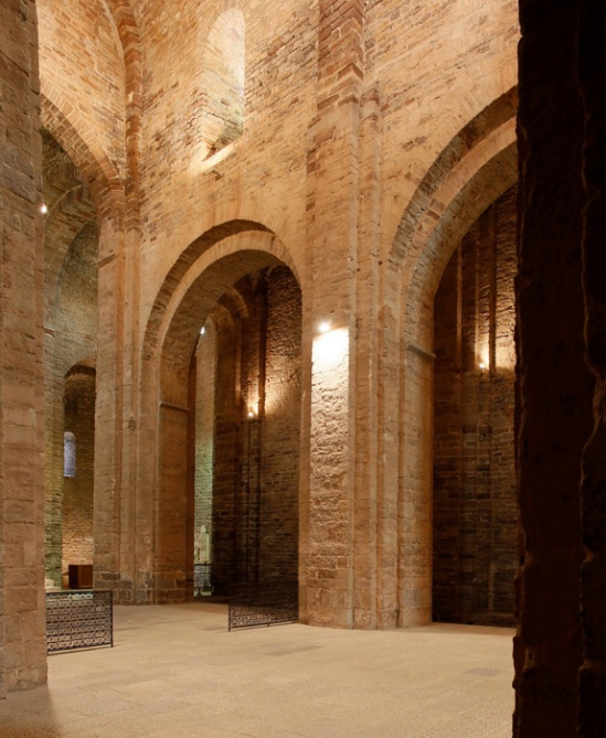 Nave elevation, Sant Vicenç de Cardona, Cardona (Barcelona)  Photo by Jong-Soung Kimm