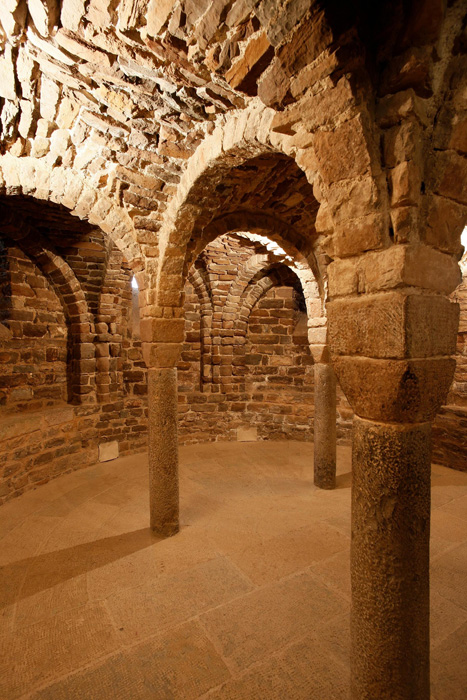 Crypt, Sant Vicenç de Cardona, Cardona (Barcelona)  Photo by Jong-Soung Kimm