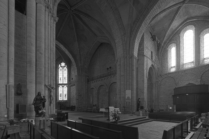 Greyscale version, Collégiale Saint-Yrieix, Saint-Yrieix-la-Perche (Haute-Vienne)  Photo by Dennis Aubrey