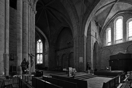 Black and white version, Collégiale Saint-Yrieix, Saint-Yrieix-la-Perche (Haute-Vienne)  Photo by Dennis Aubrey