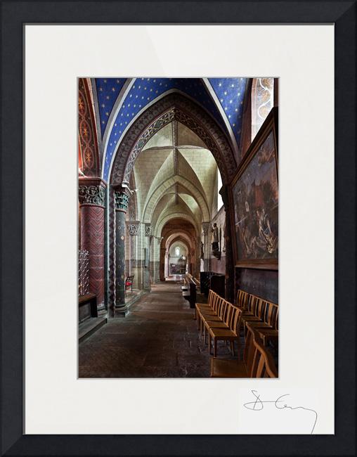 Église Saint George, Bourbon-l'Archambault (Allier) Photo by PJ McKey
