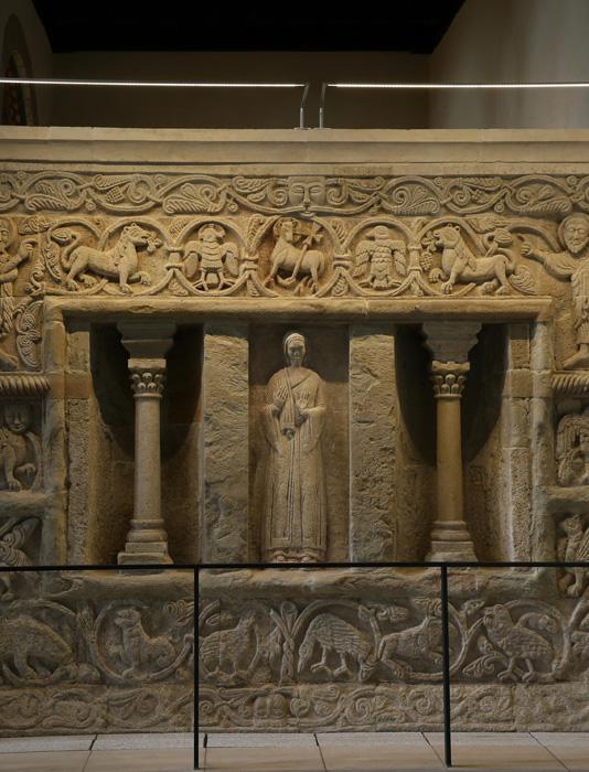 Sculpture detail, Stiftskirche Saint Cyriakus, Gernrode (Sachsen-Anhalt, Germany)  Photo by Jong-Soung Kimm
