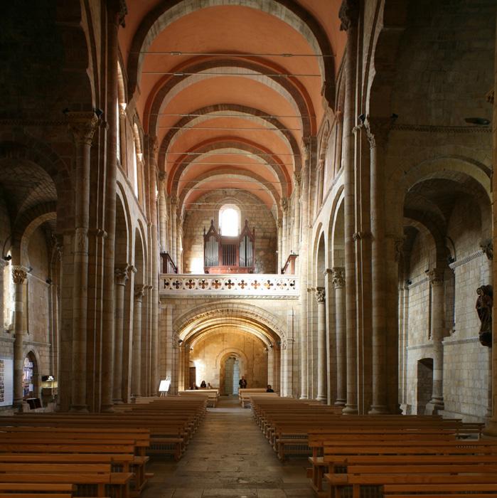 Nave, Basilica of San Isidoro, León (Castile-León) Photo by Jong-Soung Kimm