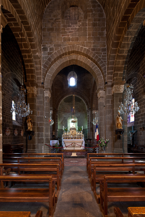 Nave, Église Saint Martin, Polignac (Haute-Loire)  Photo by Dennis Aubrey