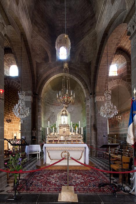 Apse, Église Saint Martin, Polignac (Haute-Loire)  Photo by Dennis Aubrey