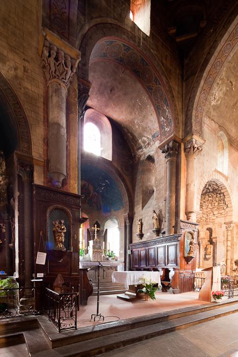 Apse, Nave, Église Saint-Martin, Courpière (Puy-de-Dôme)  Photo by Dennis Aubrey