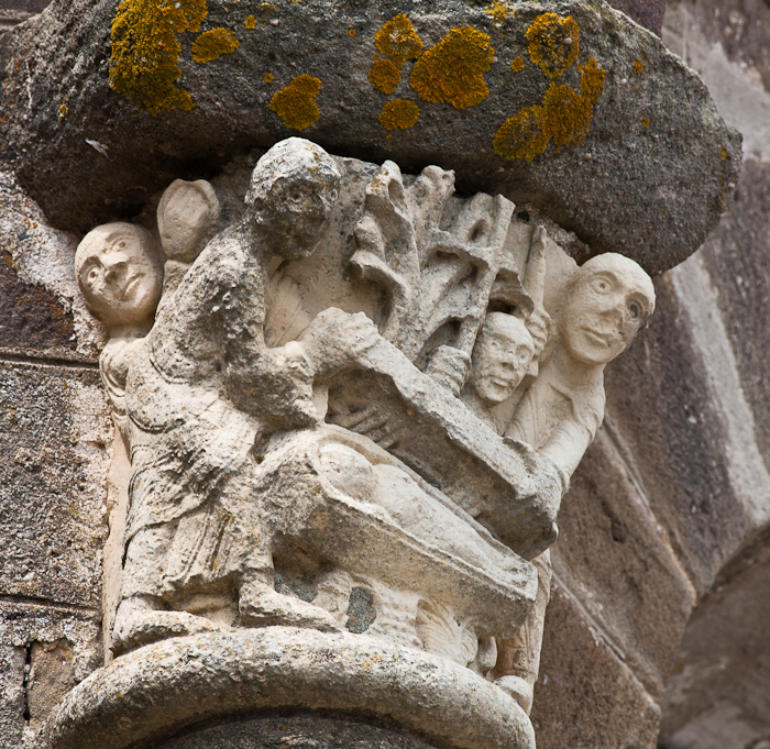 Capital - discovery of the body of Saint Stephen, Église Saint-Étienne, Lubersac (Corrèze) Photo by Dennis Aubrey