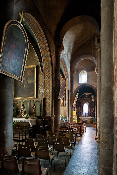 North side aisle, Église Saint-Martin, Courpière (Puy-de-Dôme)  Photo by PJ McKey