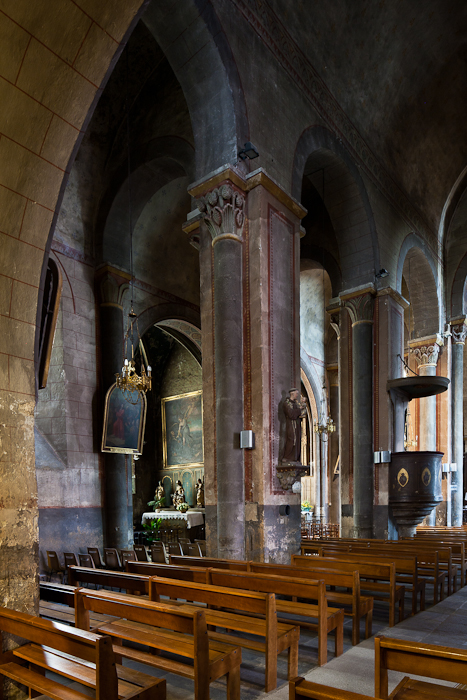 Nave, Église Saint-Martin, Courpière (Puy-de-Dôme)  Photo by PJ McKey
