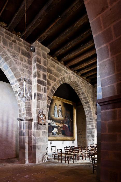Nave elevation, Église Saint-Étienne, Lubersac (Corrèze)  Photo by PJ McKey