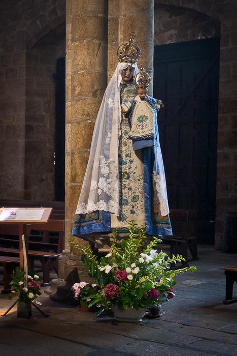 Notre Dame-de-Bon-Secours. Basilique Notre Dame-de-Bon-Secours, Guingamp (Côtes-d'Armor)  Photo by PJ McKey
