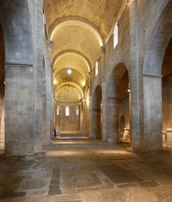 Nave, Monastir Sant Pere de Galligants, Girona (Girona) Photo by Jong-Soung Kimm