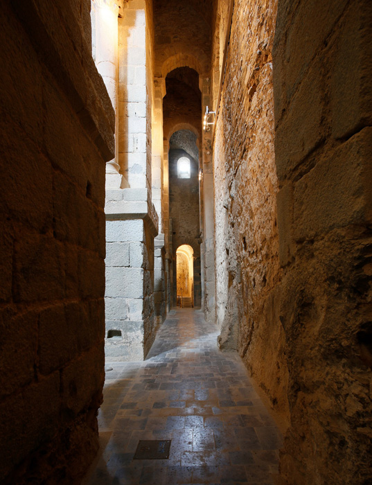 Side aisle, Sant Pere de Rodes, El Port de la Selva (Girona) Photo by Jong-Soung Kimm