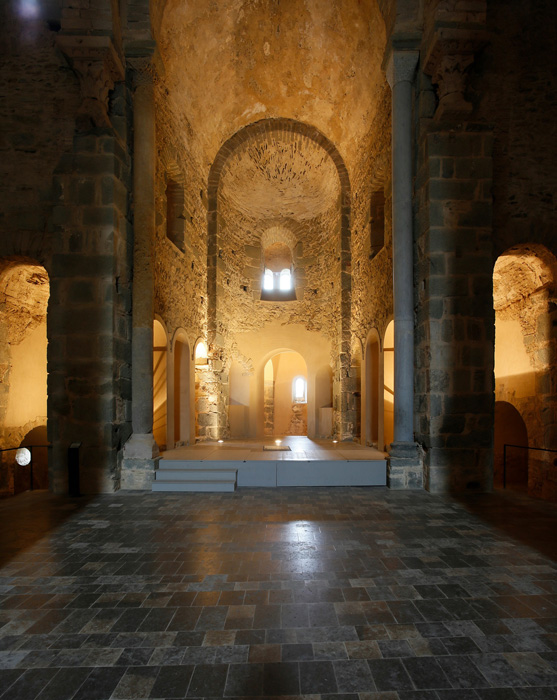 Chancel, Sant Pere de Rodes, El Port de la Selva (Girona) Photo by Jong-Soung Kimm