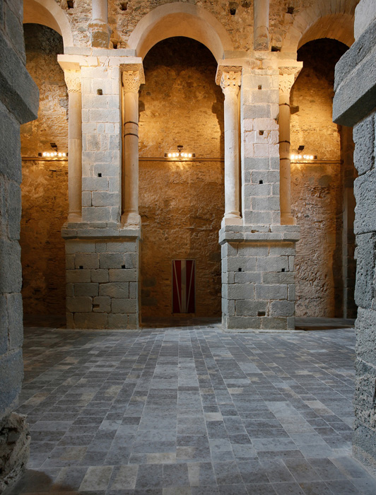 Nave elevation, Sant Pere de Rodes, El Port de la Selva (Girona) Photo by Jong-Soung Kimm