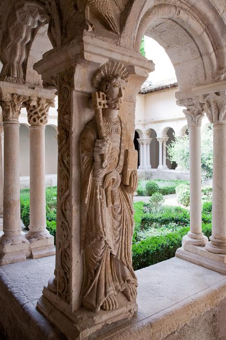 Saint Peter, corner cloister pier, Cathédrale Saint Sauveur, Aix-en-Provence (Bouches-du-Rhône) Photo by Dennis Aubrey