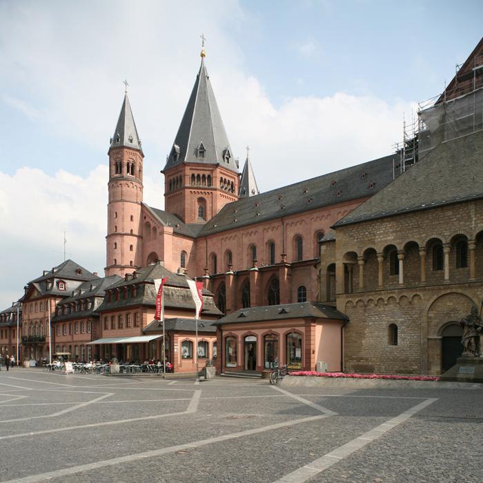 Mainzer Dom Sankt Martin, Mainz (Rhineland–Palatinate)  Photo by Jong-Soung Kimm