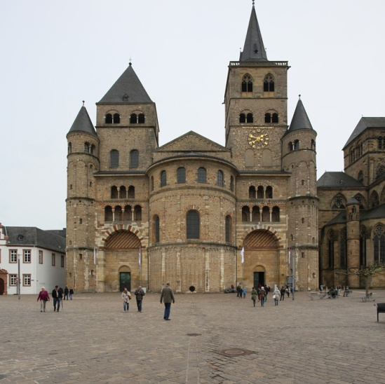 Western facade, Dom Sankt Peter, Trier (Rhineland-Palatinate) Photo by Jong-Soung Kimm