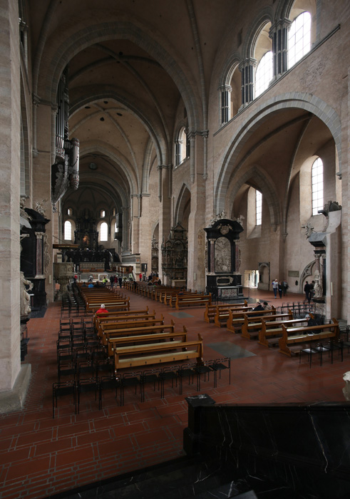 Eastern nave, Dom Sankt Peter, Trier (Rhineland-Palatinate) Photo by Jong-Soung Kimm