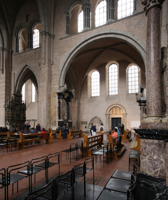 Nave elevation, Dom Sankt Peter, Trier (Rhineland-Palatinate) Photo by Jong-Soung Kimm