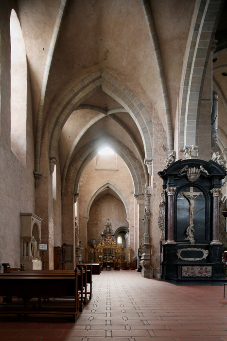 North side aisle, Dom Sankt Peter, Trier (Rhineland-Palatinate) Photo by Jong-Soung Kimm