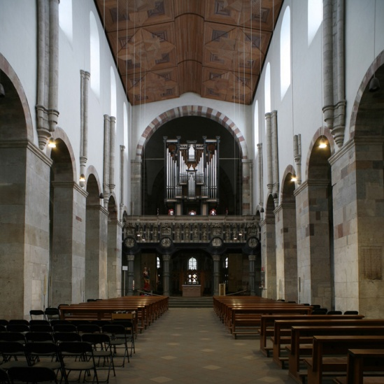 Nave to chancel, Sankt Maria im Kapitol, Cologne (North Rhine-Westphalia) Photo by Jong-Soung Kimm