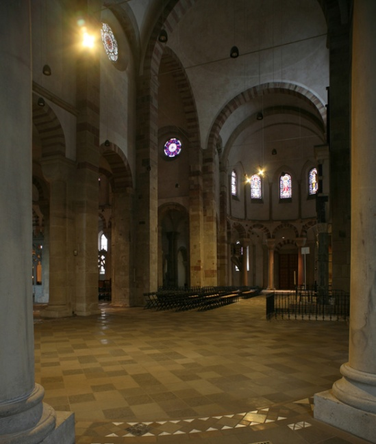 Ambulatory to eastern apse, Sankt Maria im Kapitol, Cologne (North Rhine-Westphalia) Photo by Jong-Soung Kimm