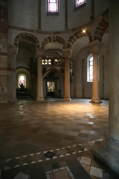 Re-entrant corner chapel, Sankt Maria im Kapitol, Cologne (North Rhine-Westphalia) Photo by Jong-Soung Kimm