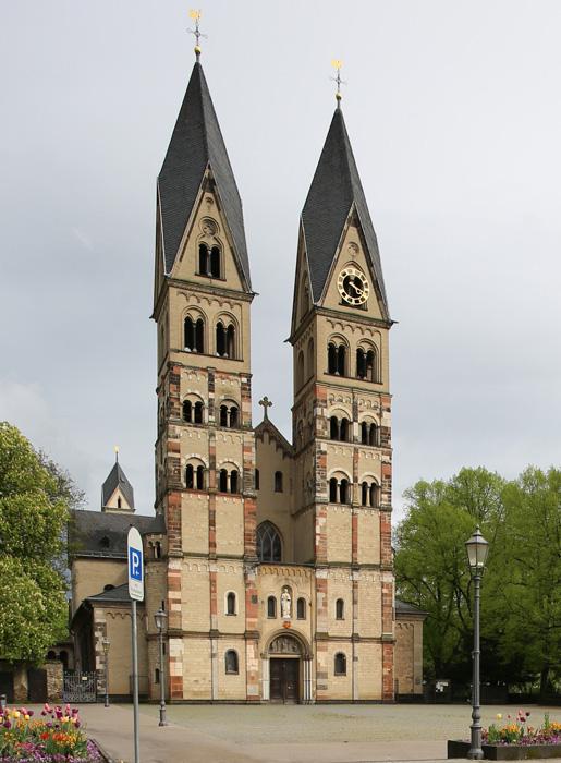 Westwork, Basilica of Saint Castor, Koblenz (Rhineland Palatinate)   Photo by Jong-Soung Kimm
