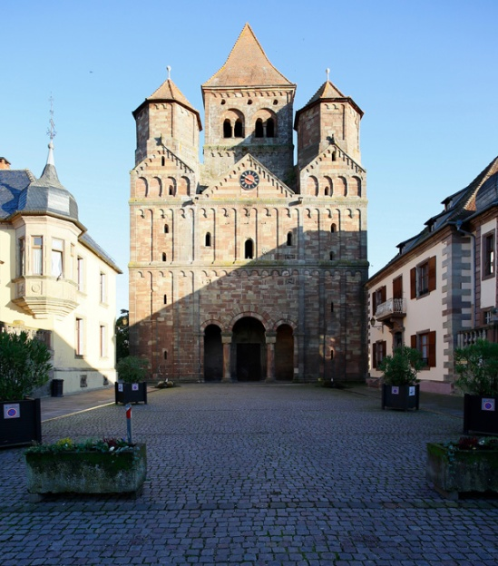 Westwork, Abbaye Saint-Étienne de Marmoutier, Marmoutier (Bas-Rhin)  Photo by Jong-Soung Kimm
