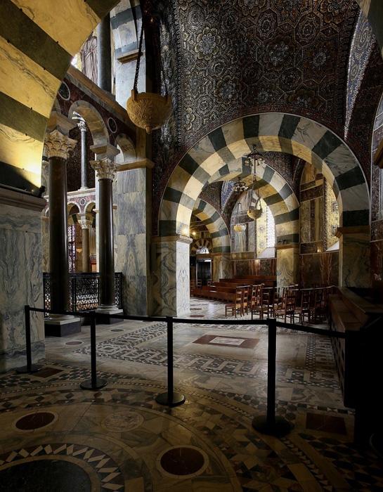 Palatine Chapel, Aachen Cathedral, Aachen (North Rhine-Westphalia) Photo by Jong-Soung Kimm