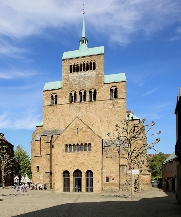 Westwork, Cathedral of SS. Petrus and Gorgonius, Minden (North Rhine-Westphalia)  Photo by Jong-Soung Kimm
