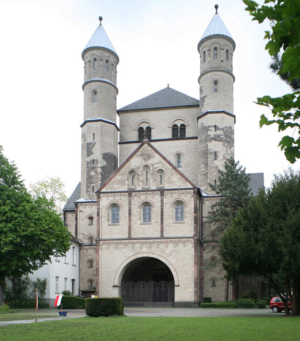 Westwork, Church of Saint Pantaleon, Cologne ( North Rhine-Westphalia) Photo by Jong-Soung Kimm